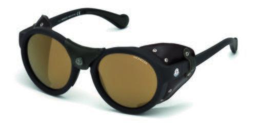Gafas en color marrón con el cristal polarizado de la nueva colección primavera/verano 2018 de Moncler