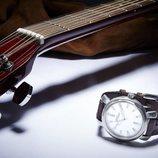 Reloj con la correa marrón de UNOde50 para el día del padre 2018