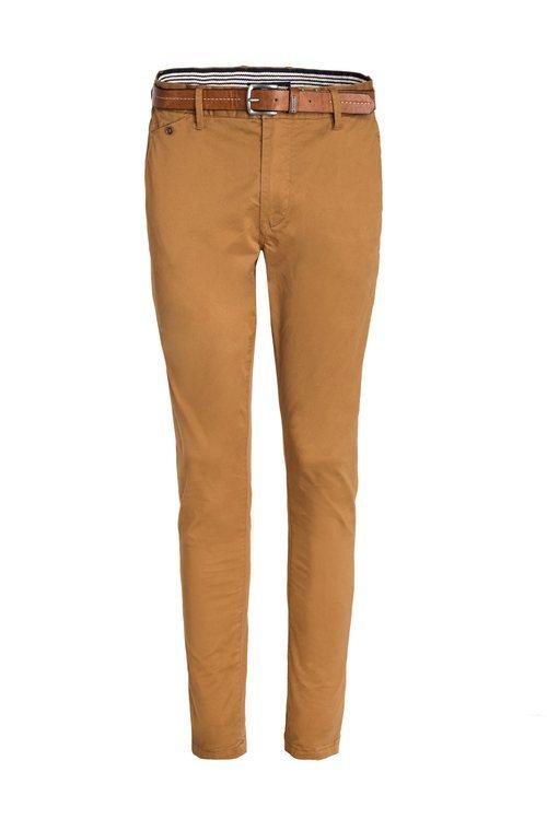 Pantalón marrón combinado con un cinturón de Salsa para la primavera 2018