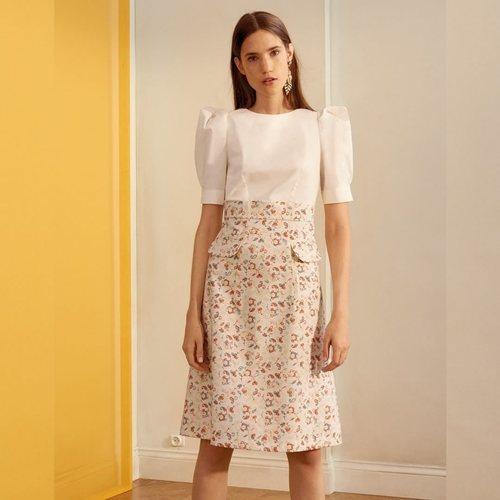 Vestido blanco y con estampados florales de la nueva colección de MAX&Co primavera/verano 2018