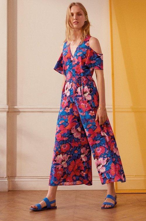Mono de estampado floral rosa y azul eléctrico de la nueva colección de MAX&Co primavera/verano 2018