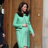 Kate Middleton con un vestido verde pastel en una de sus últimas apariciones