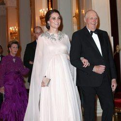 Kate Middleton con un vestido de Alexander McQueen en la cena en su honor en Oslo