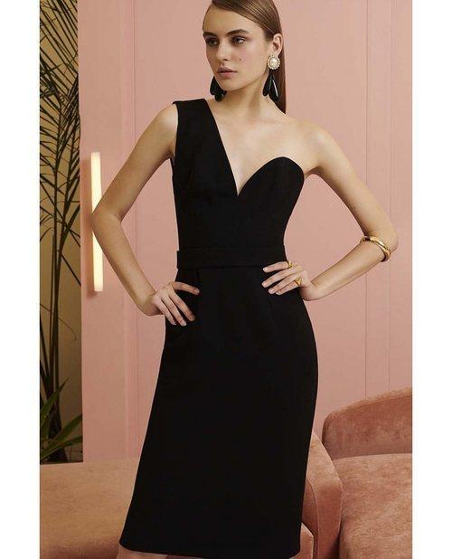 Vestido midi en color negro de la nueva colección primavera/verano 2018 de Dolores Promesas
