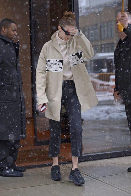 El look de Gigi Hadid bajo la nieve