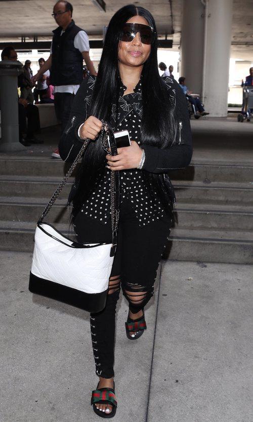 Nicki Minaj reaparece con un look de todo menos sencillo