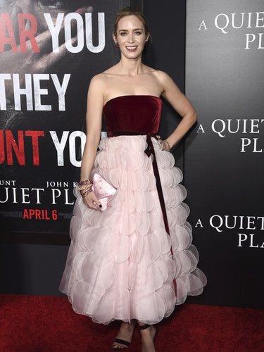 Emily Blunt con un vestido pomposo en la premiere de 'A quiet Please'