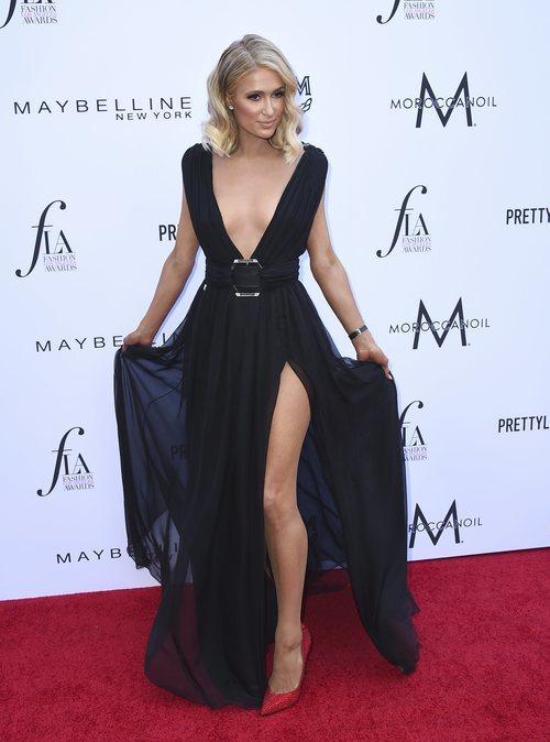 Paris Hilton con un vestido de escándalo en los Fashion Los Ángeles Awards