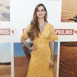 Ariadne Artiles en la presentación del 'Masaai Project' con un vestido color mostaza