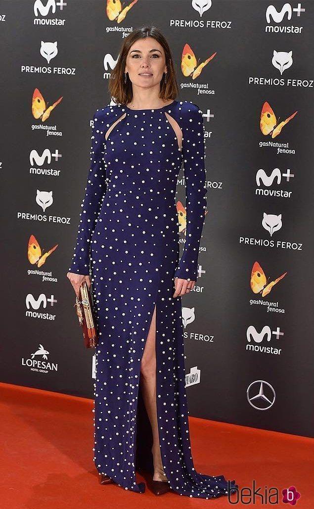 Marta Nieto con un vestido de Ana Locking en los Premios Feroz 2017