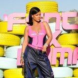 Rihanna con un total look de la nueva colección FentyxPuma 2018