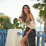 Cristina Pedroche con unas sandalias negras y plateadas de la nueva colección primavera/verano 2018 de Ipanema