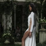 Vestido de seda de la colección Atelier 2019 de Pronovias en la Barcelona Bridal Fashion Week 2018