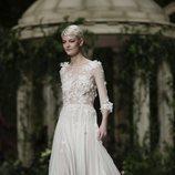 Vestido floral de la colección Atelier 2019 de Pronovias en la Barcelona Bridal Fashion Week 2018
