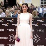 Sandra Escacena con un vestido blanco en el Festival de Cine de Málaga 2018