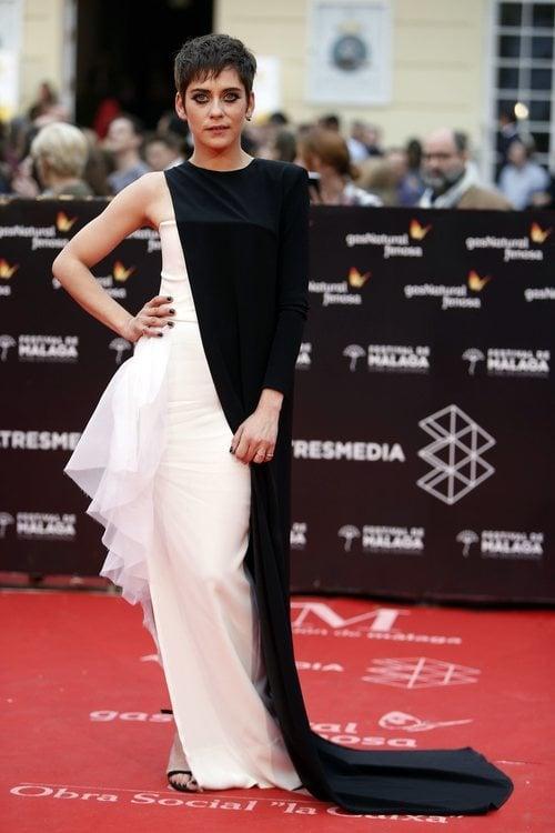 María León con un vestido bicolor en el Festival de Cinde de Málaga 2018