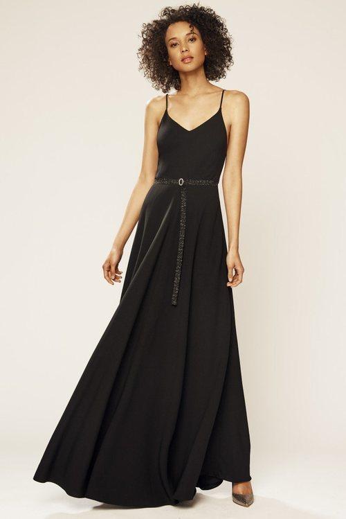 Vestido negro de la colección novia primavera 2018 de Sarah Jessica Parker