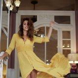 Vestido amarillo de Blue Palm la firma creada por Lara Álvarez 2018