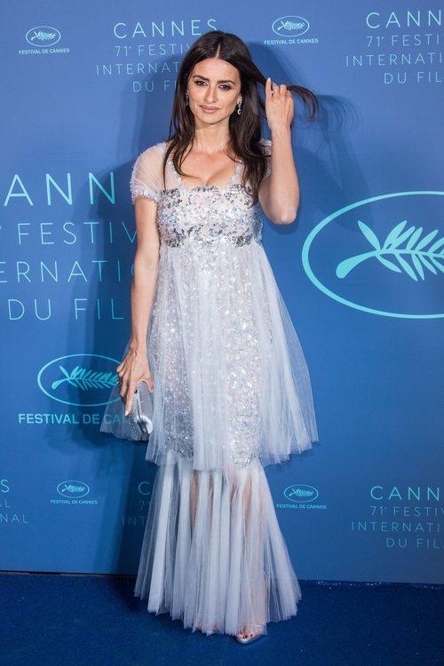Penélope Cruz con un vestido de tul azul en la 71 Edicción del Festival de Cannes