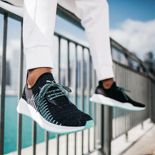 Zapatillas en color negro con cordones turquesa AVID evoKNIT X DIAMOND 2018