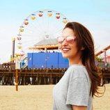 Modelo en rosa de las gafas de sol diseñadas por Paula Echevarría para Hawkers