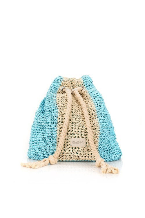 Bolso beige y azul turquesa de la firma Salsa 2018