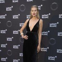 El vestido de terciopelo negro de Toni Garrn para la cena de Montblanc