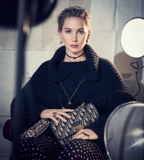 Jennifer Lawrence con un jersey negro de la nueva colección de Dior 2018
