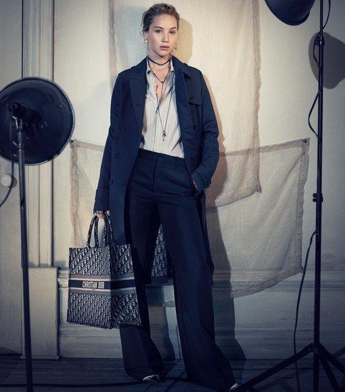 Jennifer Lawrence con un outfit de la nueva colección de Dior 2018