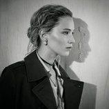 Jennifer Lawrence posando para la nueva colección de Dior 2018