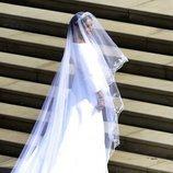 Meghan Markle con su vestido de novia antes de la boda con el Príncipe Harry de Inglaterra