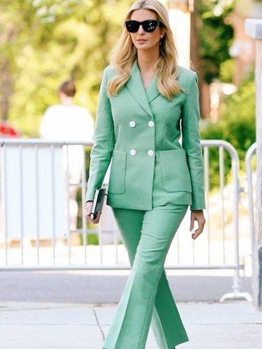 Ivanka Trump con un traje de Sandro Paris en las calles de Washington