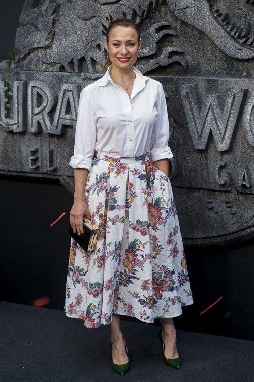 Natalia Verbeke con un conjunto casual en la premiere de Jusassic World 2018