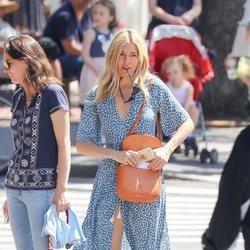 Sienna Miller luce una de las tendencias de este verano