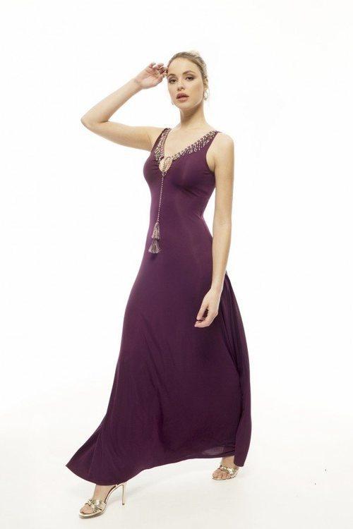 Vestido largo morado de la nueva colección de la firma Armario Lulú 2018