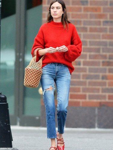 Alexa Chung con un estilo casual por las calles de Nueva York
