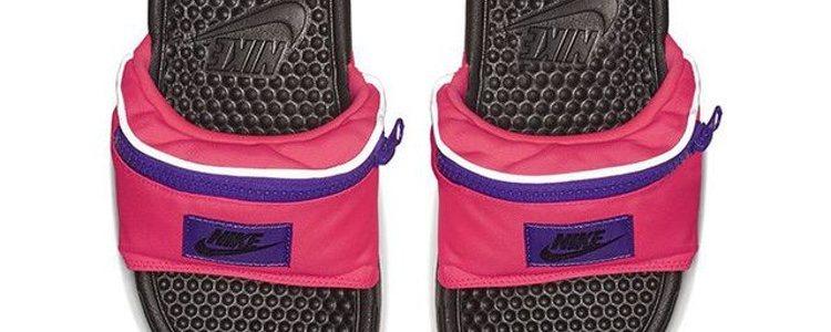 Modelo 'Benassi Fanny Pack' de Nike en negro