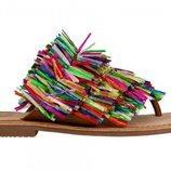 Sandalia con flecos de colors de la nueva propuesta de Gioseppo para el verano 2018