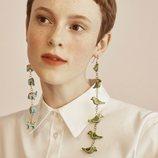 Pendientes largos de la colección Crucero 2019 de Carolina Herrera