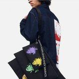 Carteras de la colección de Calvin Klein dedicada a Andy Warhol