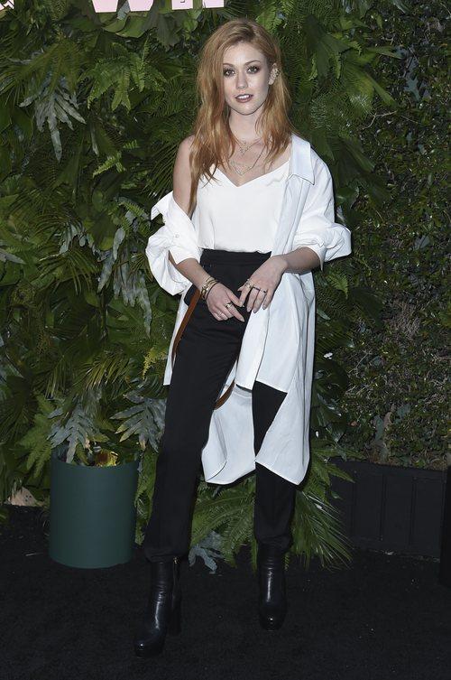 Katherine McNamara con un look muy juvenil en el evento 'Vanity Fair x Max Mara WIF'