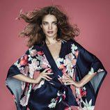 Natalia Vodianova con kimono de flores
