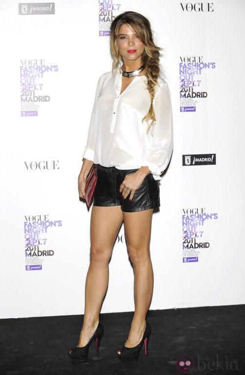Juana Acosta con shorts negros de cuero