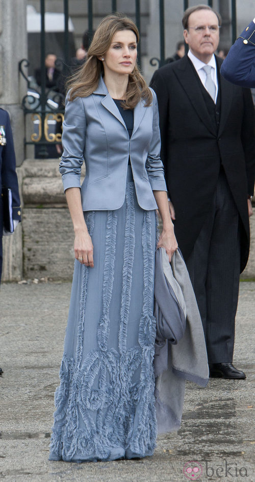 Letizia Ortiz con falda larga y blazer