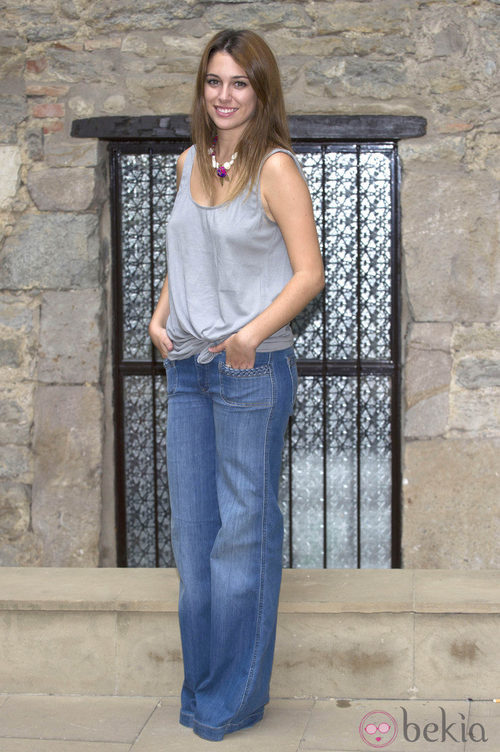 Blanca Suárez con jeans y camiseta anchos
