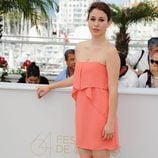 Blanca Suárez con vestido de gasa en tonos coral