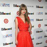 Taylor Swift con vestido lady rojo