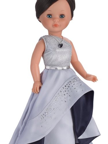 Una edición exclusiva de Nancy con incrustaciones de Swarovski celebra los 50 años de la muñeca