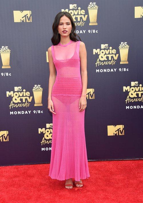 Kelsey Asbille con un vestido transparente en los Premios MTV Movie 2018