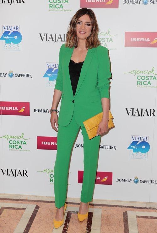 Sandra Barneda con un traje verde en los Premios Revista 'Viajar' en Madrid 2018